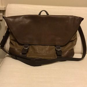 Authentic Coach messenger bag